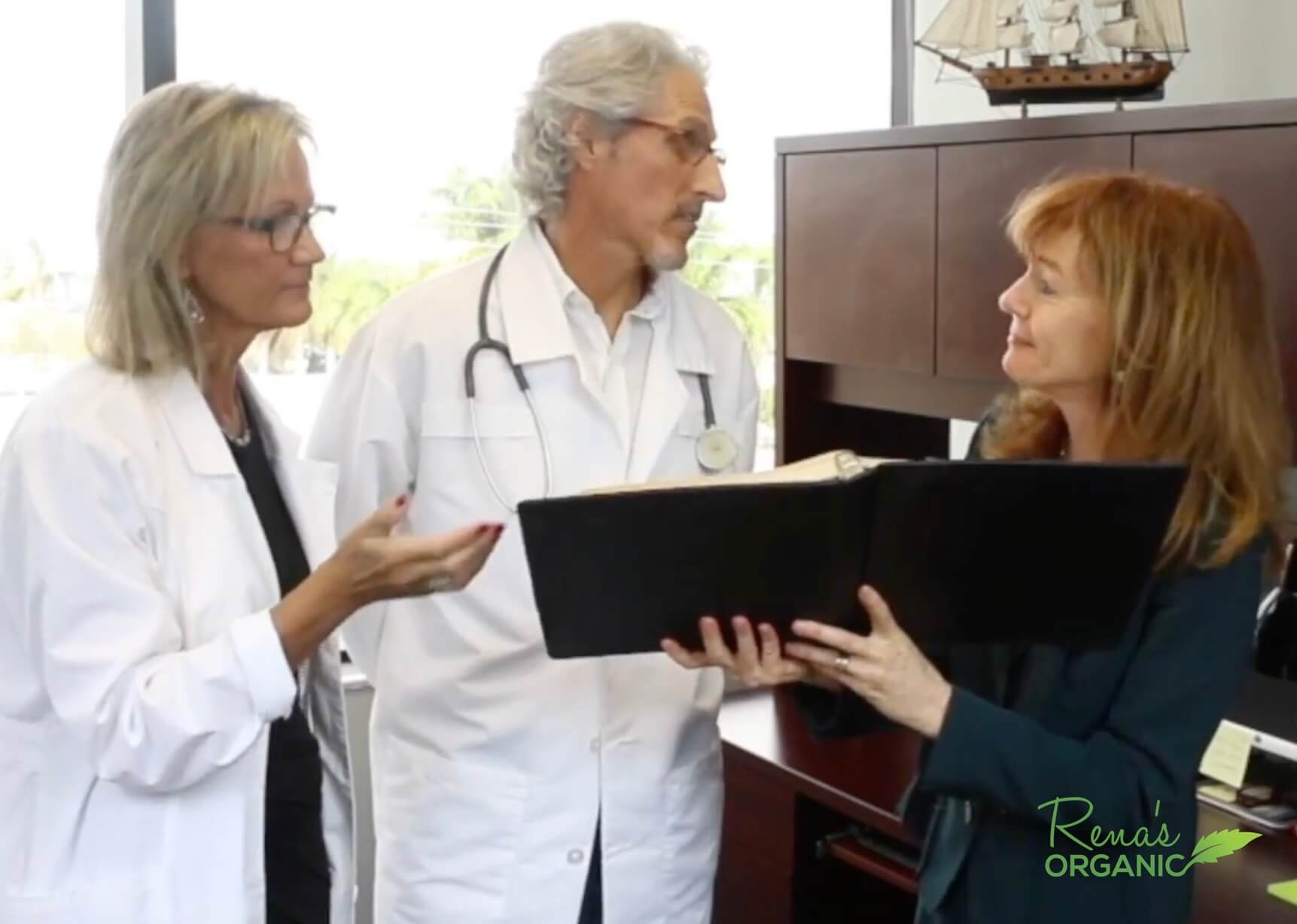 Dr. Scott and Dr. Jocelyne and Rena Greenberg